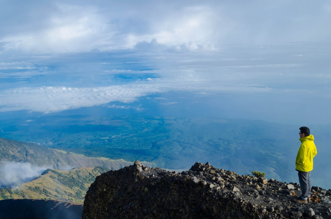 Jeng Yang travel mount rinjani indonesia hiking mountains trekking volcanoes volcano